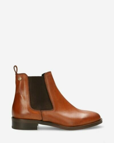 Chelsea boot soft smooth leather cognac
