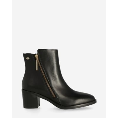 Heeled-ankle-boot-soft-smooth-leather-black