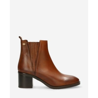 Chelsea-ankle-boot-soft-smooth-leather-brown