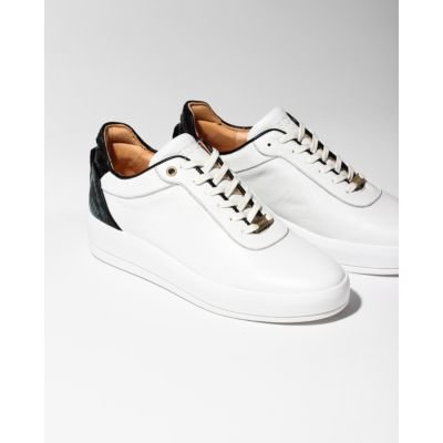 White-sneaker-smooth-leather-multicoloured-patch-dark-green