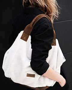Fluffy-large-shopper-off-white