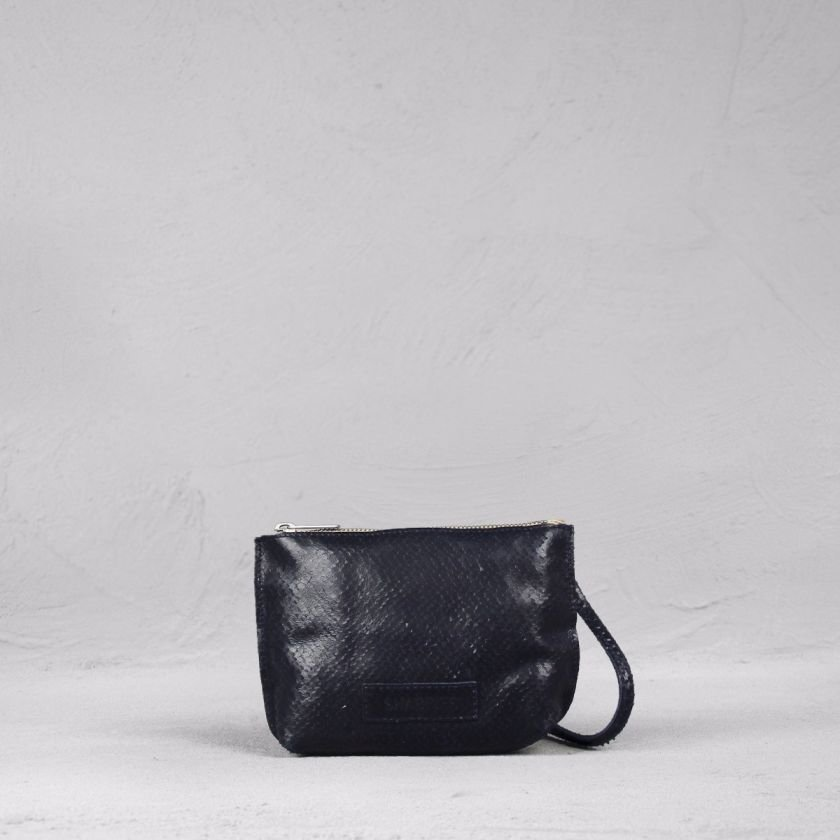 Shoulderbag-cutted-leather-Blue