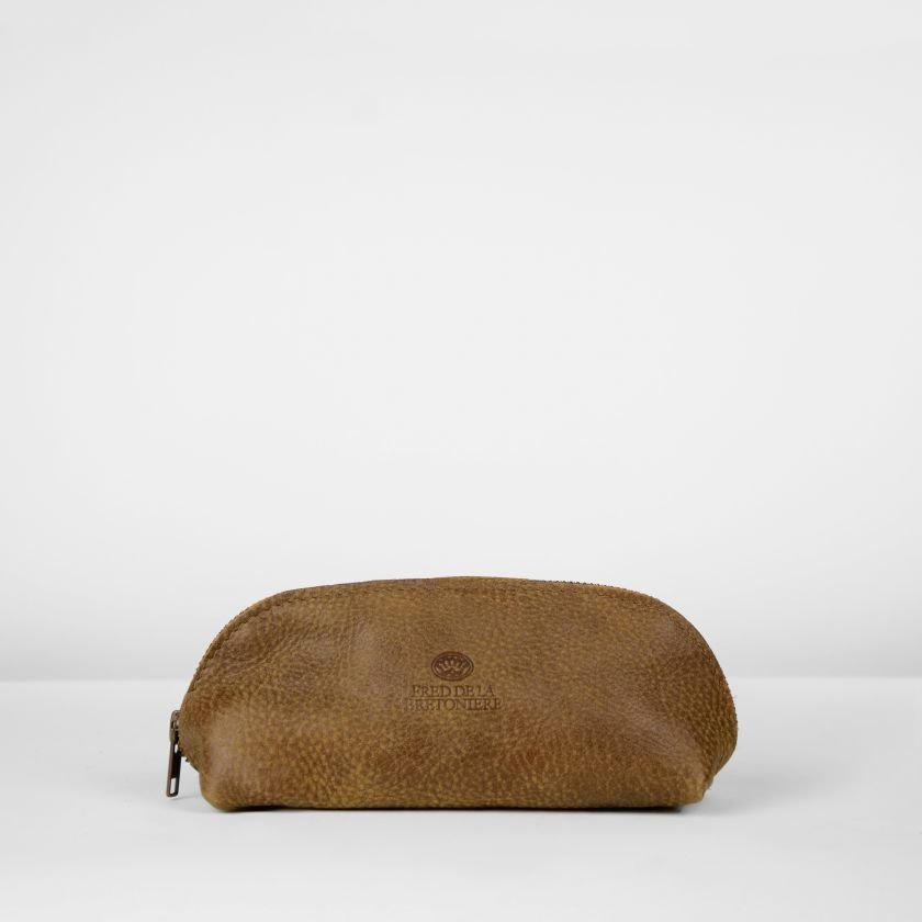 Toiletbag-hand-buffed-leather-Brown