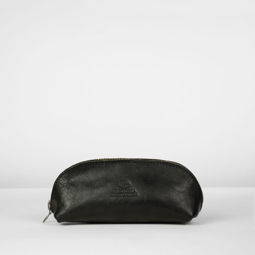 Toiletbag-natural-tanned-grain-leather-Black