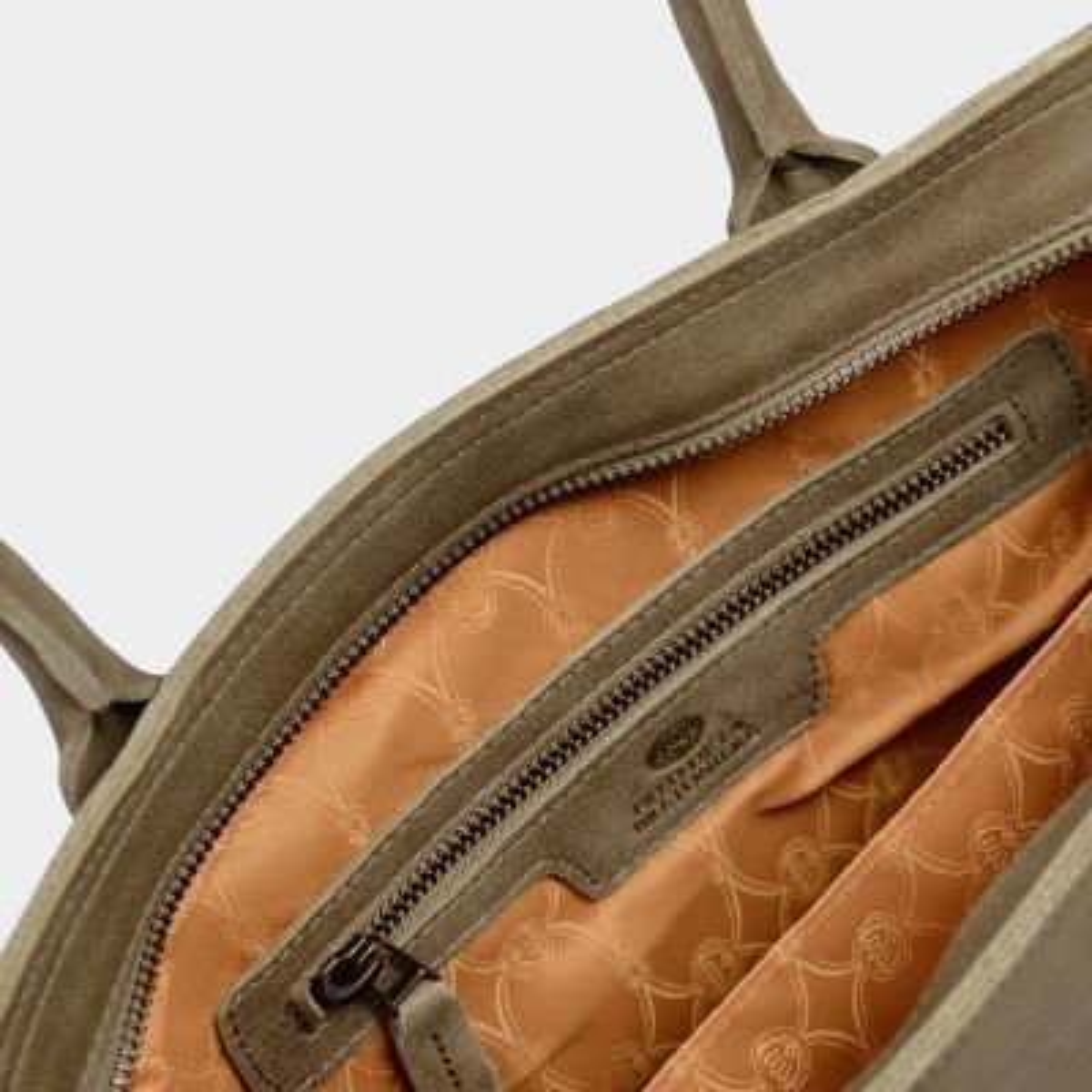 Shoulderbag-handbuffed-leather-Taupe
