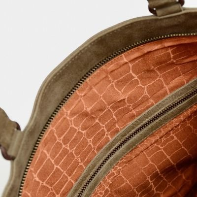 Shoulderbag-hand-buffed-leather-Taupe